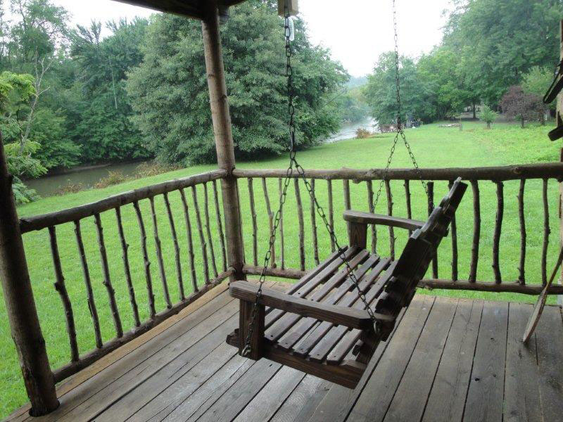 log north in carolina creekside homeaway vacation sm rental cabins the cabin retreat walch